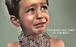 Wat de impact van woorden op het zelfbeeld van je kind is